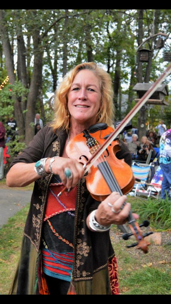 Faith Pyne - Violin Teacher - Senchant's Art of Music Teaching